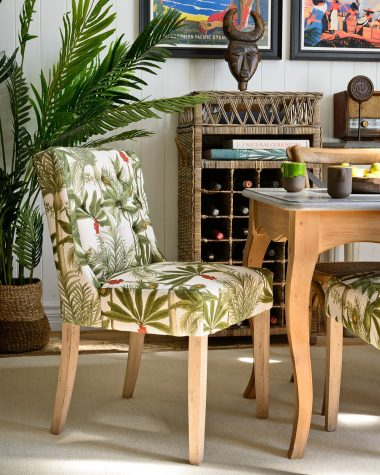 DUKE Tufted Chair – MADAGASCAR